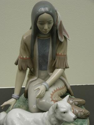 リヤドロプレミアム展・女性と犬1