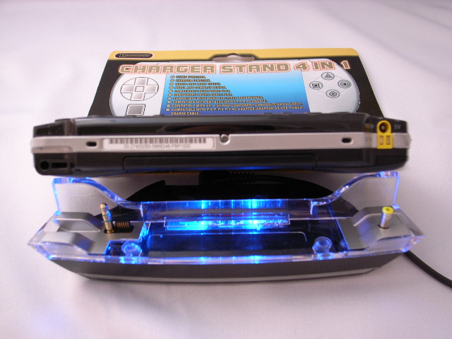 CHARGER STAND 4in1 for PSP-2000_7