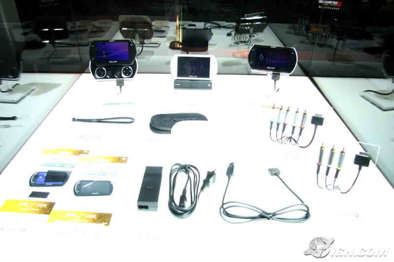 e3-2009-psp-go-accessories-displayed