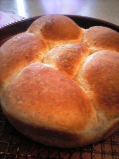ベーコン混ぜ込みパン・焼き上がり