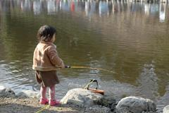 小さな釣り人