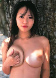 isoyama_sayaka02_0.jpg