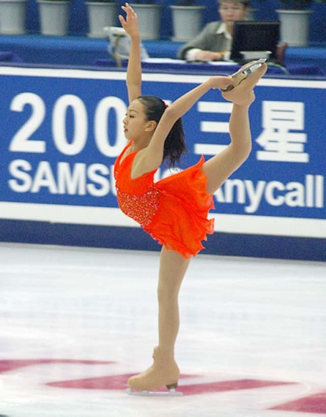 フィギュアスケート浅田舞と真央に完全密着。 世界でも群を抜く層の厚さを誇る日本女子フィギュアスケート界にあって、