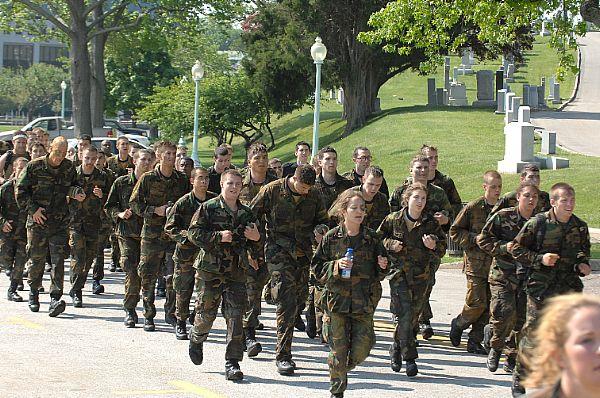 海軍兵学校『アナポリス』で卒業...