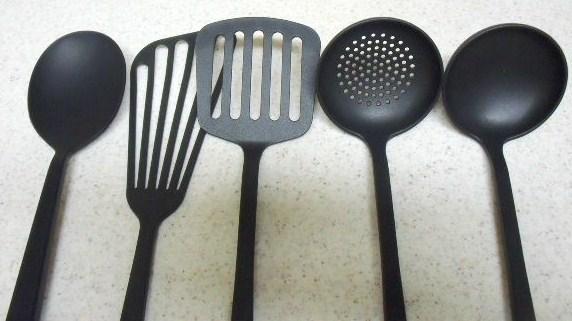 モノづくりプロジェクトキッチンMUJI「見た目も使い勝手も、無印良品のキッチンツール