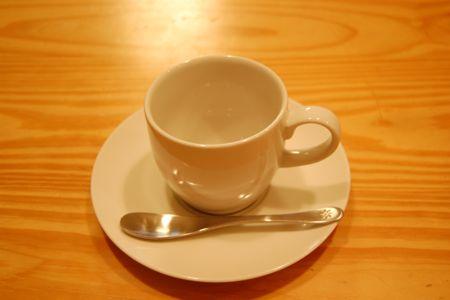 これは相棒がたのんだウーロン茶のカップです。蓋のぽこぽこがかわいらしい。