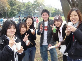 060415sinjin-kangeikai(nikonikogao)