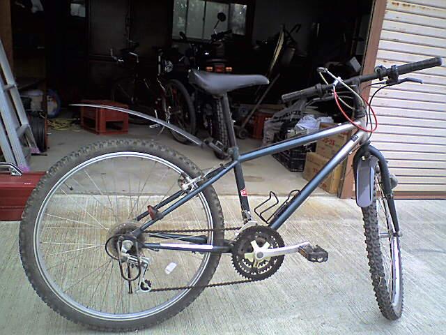 ... 今日はこっちの自転車で通勤