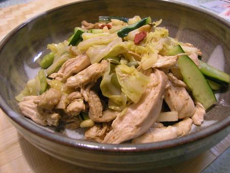 鶏胸肉とキャベツのピリ辛和え