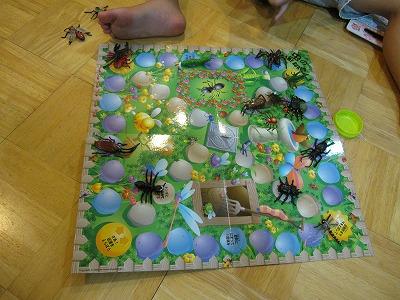 昆虫ボードゲーム