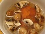 27 マッシュルームとにんじんの中華風スープ.jpg