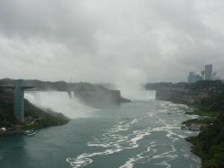 7 橋から滝.jpg