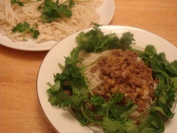 24 牛挽肉担々麺.jpg
