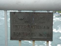 7 橋 国境表示.jpg