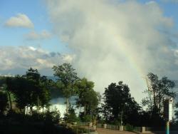 7 カナダ側滝 虹.jpg