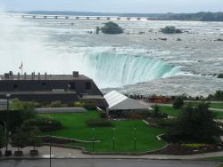 7 カナダ側滝1.jpg