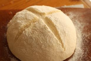 クリームシチューの付け合わせ30選☆パン派もごはん派も大集合!