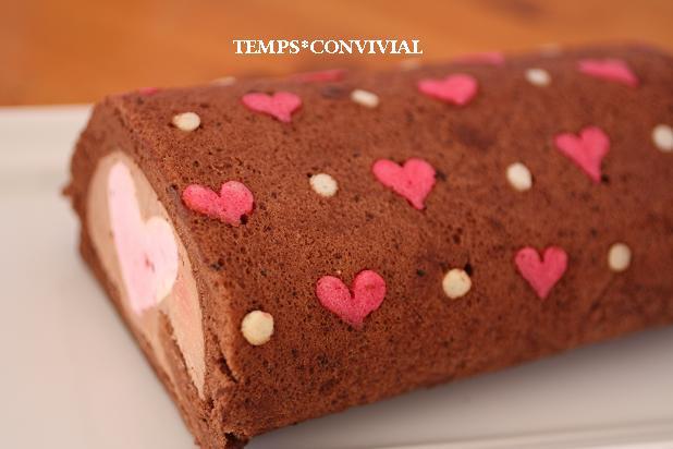 ヴァレンタインのハートのデコロールケーキ