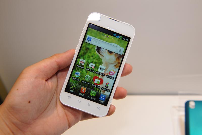LGがau向けスマートフォン「IS11...