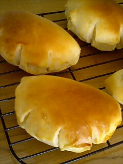 creambread