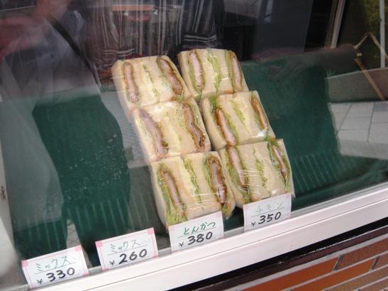 グルメの店頭サンドウィッチ