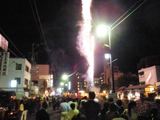 神道祭り花火1