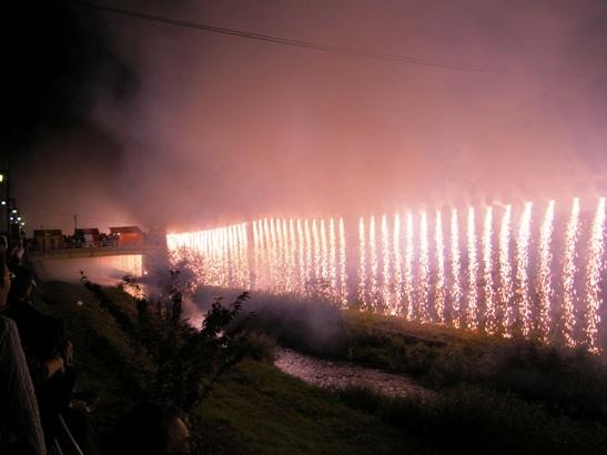 神道祭りナイアガラ1