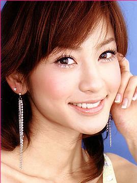 西山 茉希(にしやま まき)