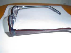 奥さんのネコメガネのレンズ