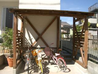 自転車置き場が完成しました。