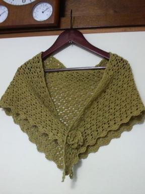 手編みで簡単★でも華やかにまとえる三角ショールを編もう!