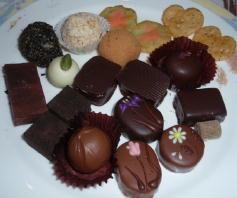 お皿の上はチョコでいっぱい