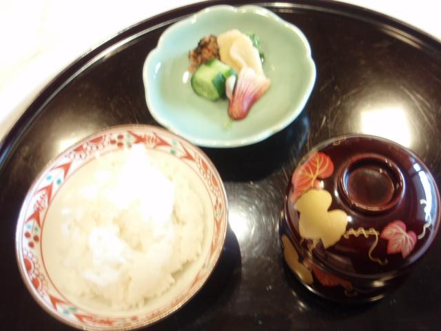 9【御食事】白米 香の物 留め椀