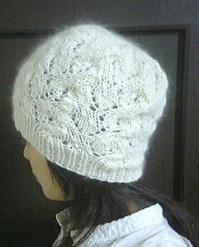 編み物で手編み帽子を   -