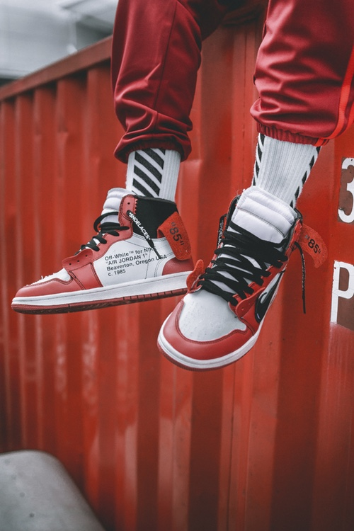 off-white-air-jordan-1-on-feet-6.jpg