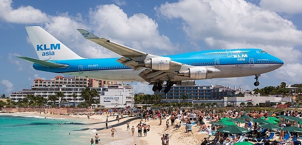 dangerous-spot-maho-beach-mosh-top.jpg