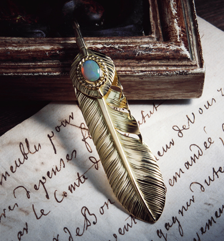 WGP11L WGP6L OKO_01old_L K18 Old Feather K18 Heart Feather Opal_image02 のコピー.jpg