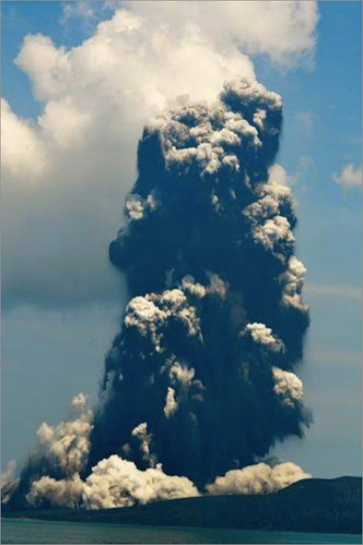 krakatau-eruption-0109a.jpg