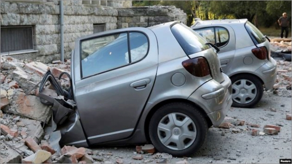 albania-earthquake-cars.jpg