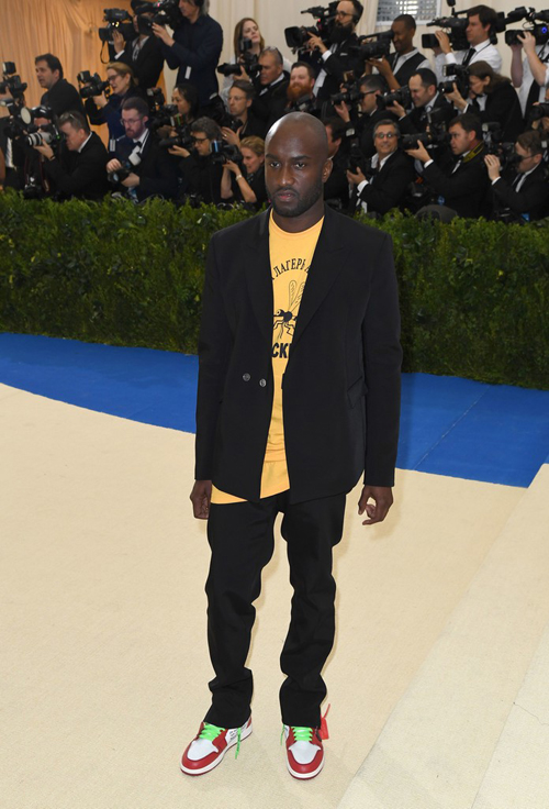Virgil-Abloh-Off-White-suit-Junya-Watanabe-tee-Off-White-Air-Jordan-sneakers-1.jpg