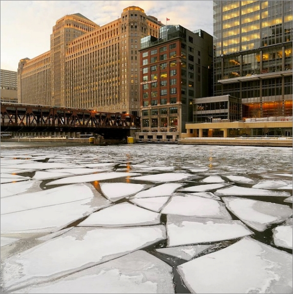 chicago-ice-river01.jpg