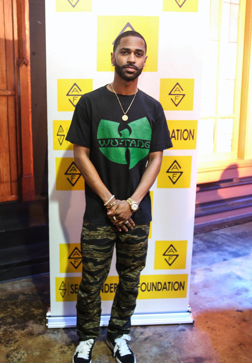 Big-Sean-Wu-Tang-tee-G-Star-Raw-Elwood-pants-Puma-sneakers-1.jpg