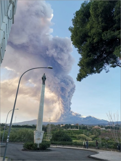 etna-eve-eruption02.jpg