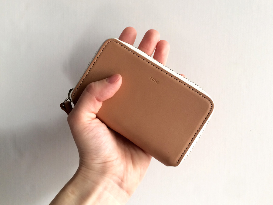 irose POP UP MINI WALLET ヌード サイズ感