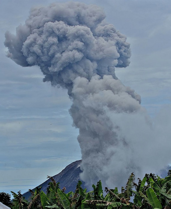 sinabung-eruption-1010.jpg