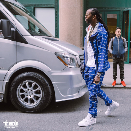 2-Chainz-Supreme-jacket-pants-Air-Jordan-sneakers-Goyard-bag.jpg