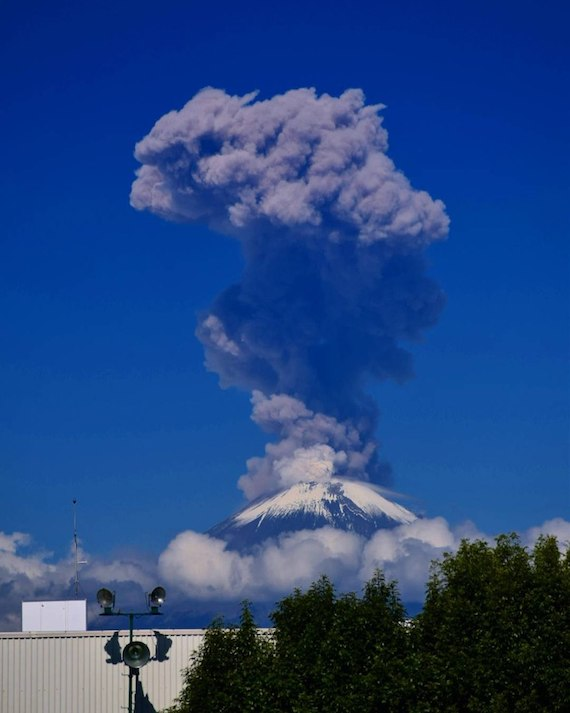 popocatepetl-eruption-august07.jpg