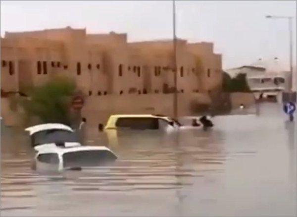 doha-flood-cars002.jpg