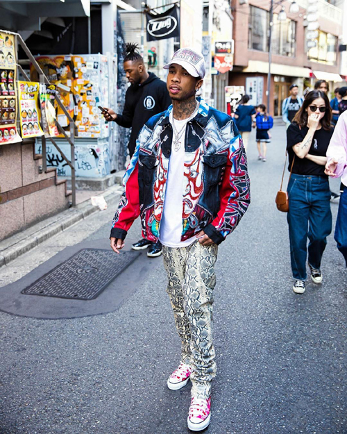 Tyga-Dog-Harajuku-boutique-kabuki-jacket-Viet-Raw-pants-5-a.jpg