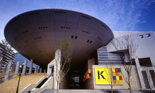 神戸ファッション美術館その2.jpg